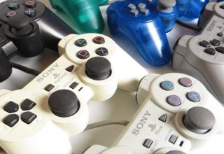 rozni producencji padow 320x220 - Różni producenci padów do PlayStation