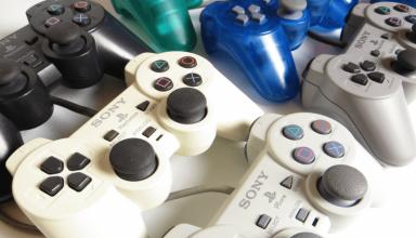 rozni producencji padow 384x220 - Różni producenci padów do PlayStation