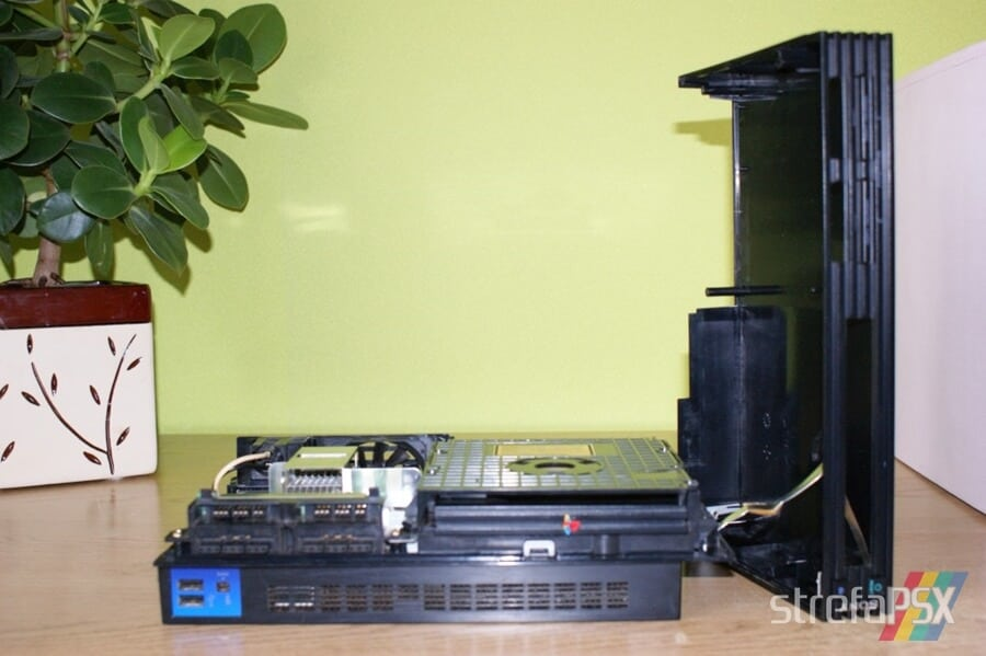 rozbieranie ps2 04 - Rozbieranie i skręcanie PlayStation 2 FAT