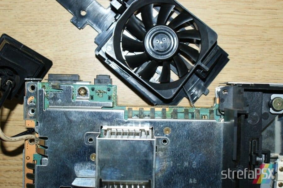 rozbieranie ps2 14 - Rozbieranie i skręcanie PlayStation 2 FAT