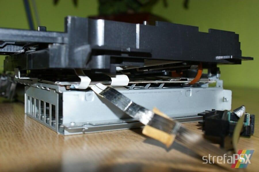 rozbieranie ps2 16 - Rozbieranie i skręcanie PlayStation 2 FAT