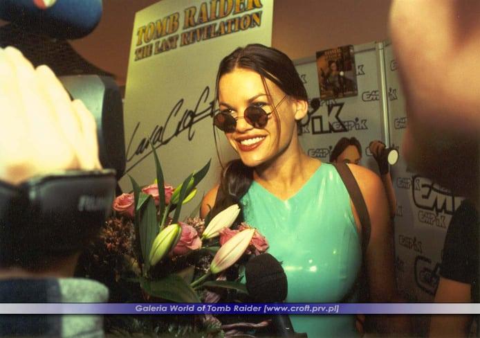lara weller polska 4 - Pierwsza wizyta Lary Croft w Polsce