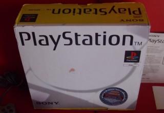 niestandardowe 1002 320x220 - Niestandardowe wydanie PlayStation SCPH-1002