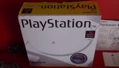 niestandardowe 1002 384x220 - Niestandardowe wydanie PlayStation SCPH-1002