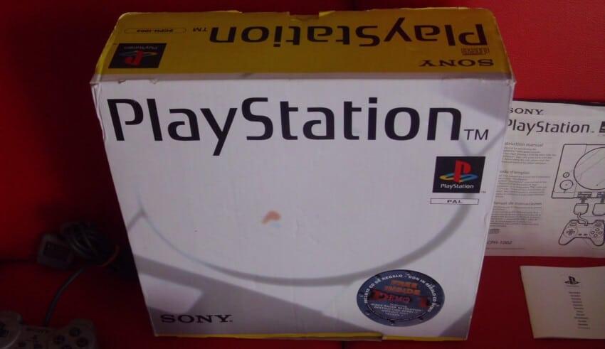 niestandardowe 1002 - Niestandardowe wydanie PlayStation SCPH-1002
