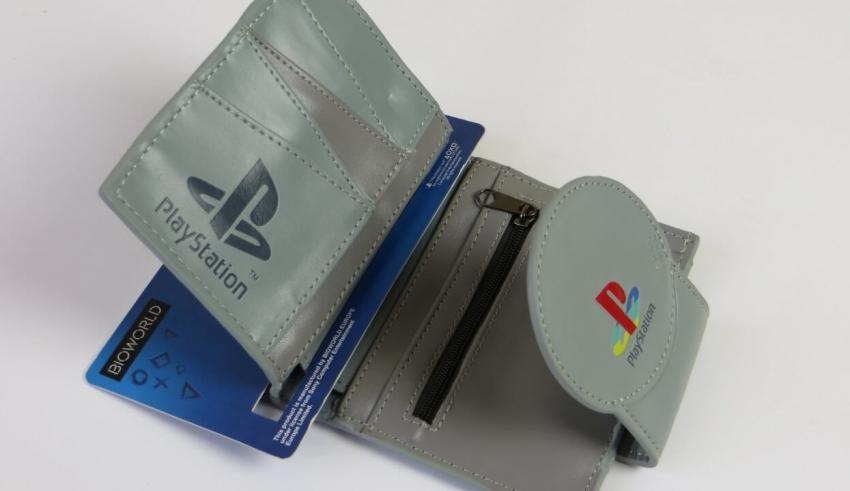 porfel baner 3 850x491 - Inspektor Gadżet #2 – Portfel PlayStation / PSX