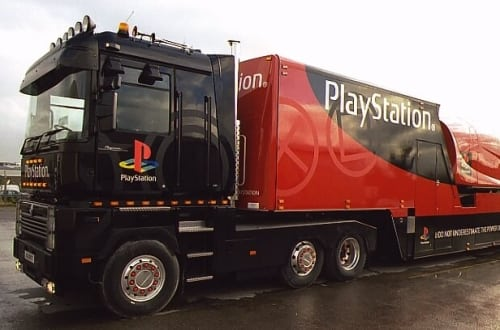 playstation truck 1 - Ciężarówki PlayStation w trasie od ponad 20 lat