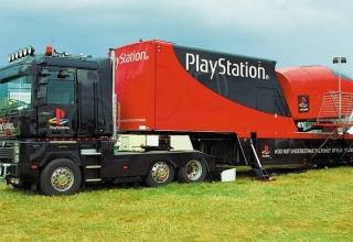 truck baner 320x220 - Ciężarówki PlayStation w trasie od ponad 20 lat
