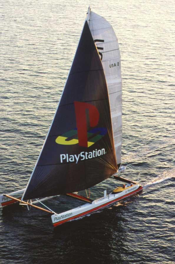 playstation katamaran 1 - Historia i losy katamaranu PlayStation