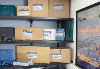 historia deweloperskich playstation baner 320x220 - Odkrywamy historię zestawów deweloperskich PlayStation