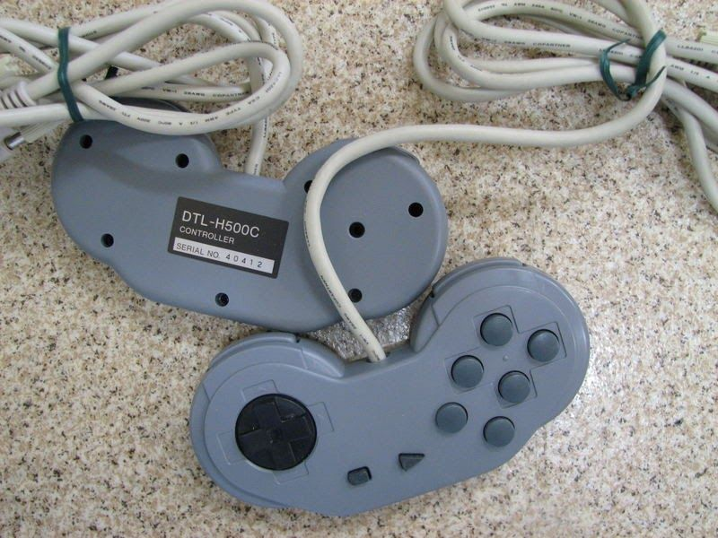 playstation dtl h500c pad - Odkrywamy historię zestawów deweloperskich PlayStation