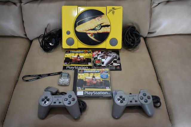 playstation f197 limited edition 10 - Limitowana edycja PlayStation Jordan Grand Prix. Niezwykła historia premiery gry Formula 1 97.