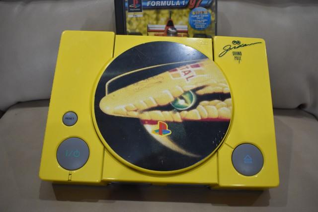 playstation f197 limited edition 7 - Limitowana edycja PlayStation Jordan Grand Prix. Niezwykła historia premiery gry Formula 1 97.